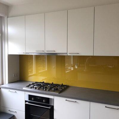 glasplaat-keuken-gekleurd
