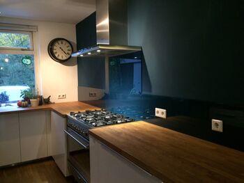 Stopcontacten In Keuken : Gratis tips voor glazen keukenachterwanden glazz