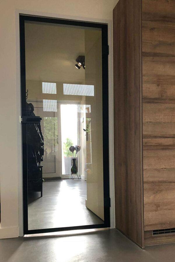 glazen-binnendeur-industrieel-in-kozijn-(2-3)2