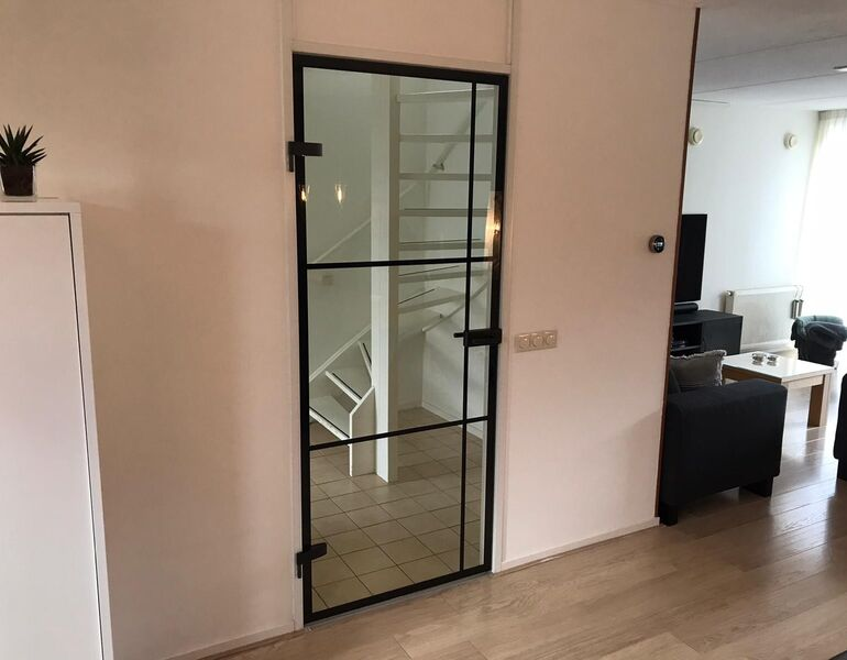 Kieshulp glazen deur
