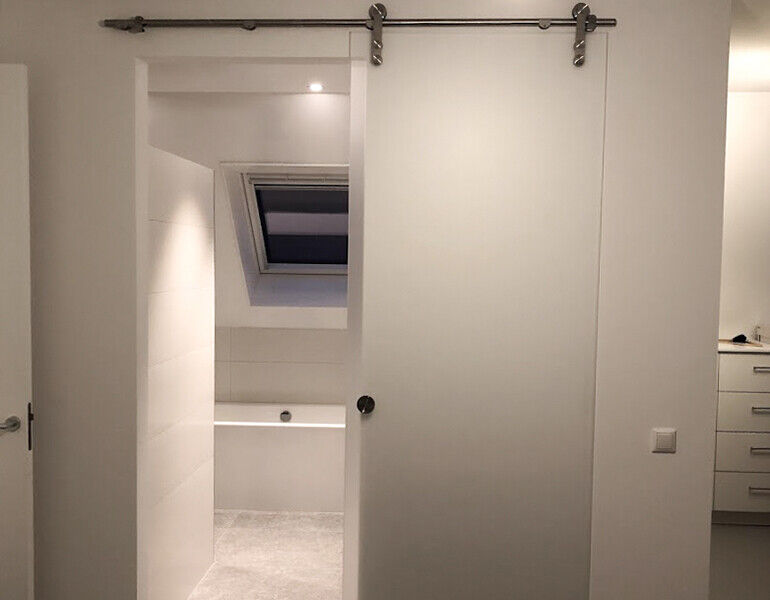 Schuifdeur voor de badkamer